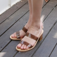 Clear line middle mule
