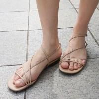Flimsy line sandals