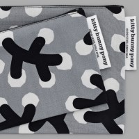 Winterberry Pouch by Linda Svensson
