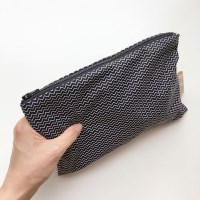 line and line pouch MEDIUM BLACK