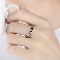 SV925 BLACK DOTS ANTIQUE RING