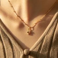 cross cubic necklace