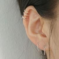 '작큰행' ear-cuff