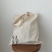 slowstitch simple logo bag ( ivory )