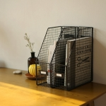 Wire bookstand