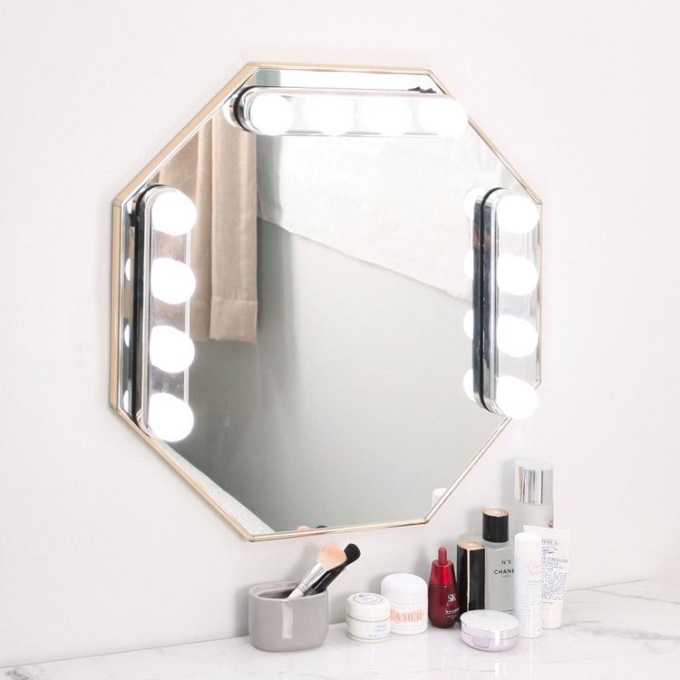 붙이는 무선 거울조명