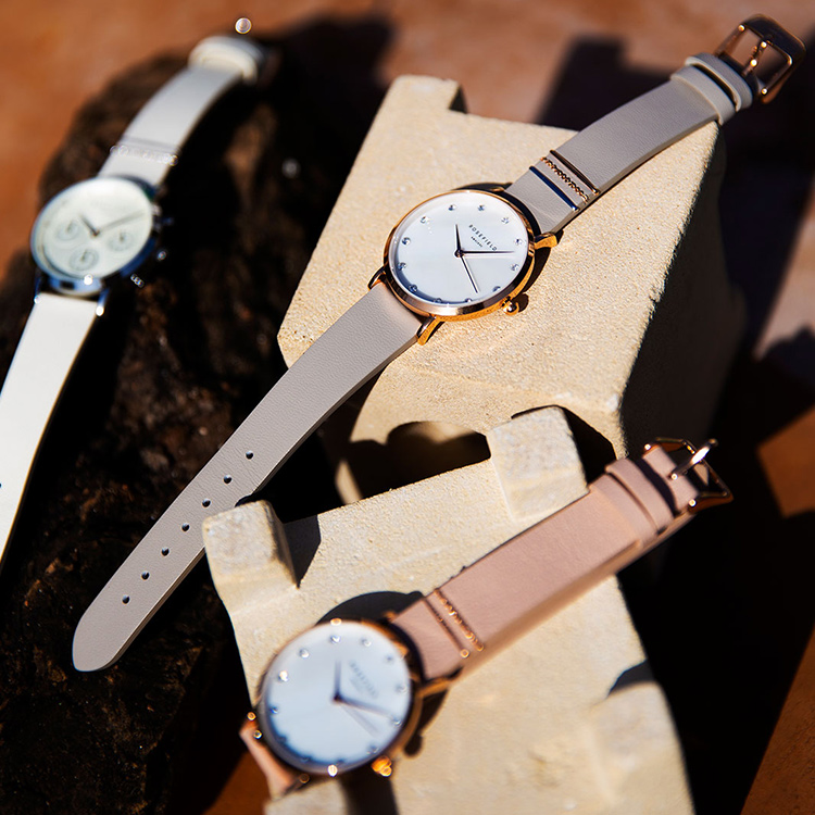 북유럽에서 온 로맨틱 빈티지 감성 시계